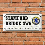 Plechová retro cedule Chelsea FC na zdi