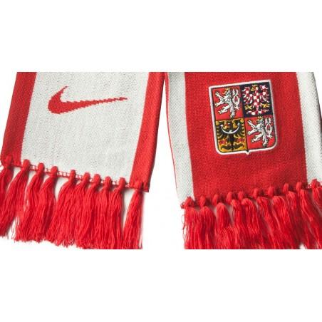 Šála Nike Česká republika detail výšivky