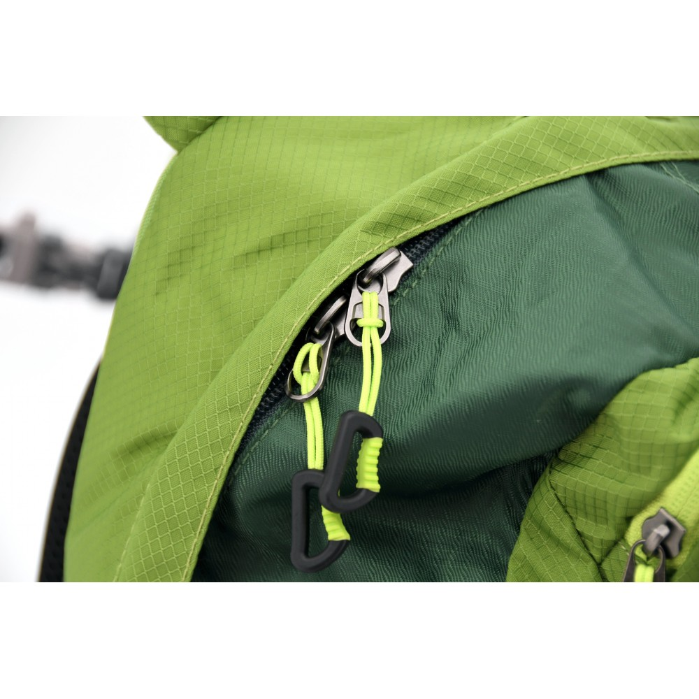 Batoh 32l GreenW detail zipsu